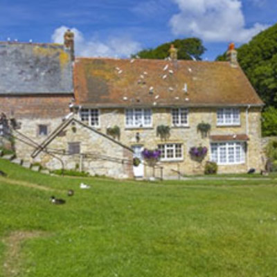 Places to go on your holiday - Calbourne Mill  Image