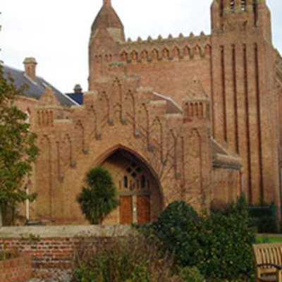 Places to go on your holiday - Quarr Abbey  Image